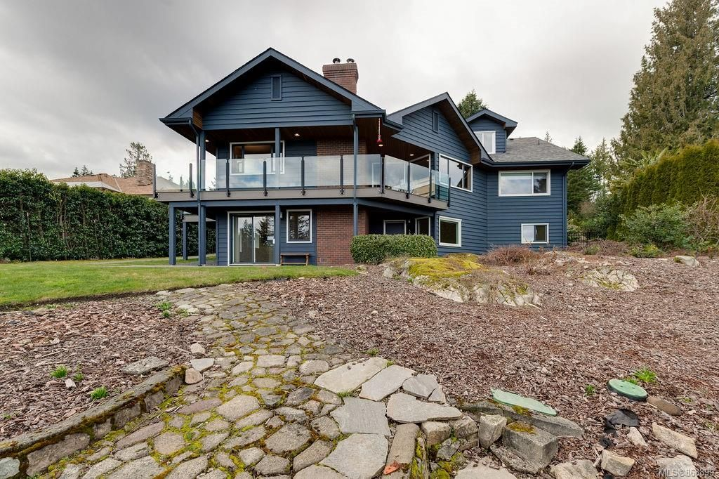 Main Photo: 8735 Pender Park Dr in North Saanich: NS Dean Park House for sale : MLS®# 868899
