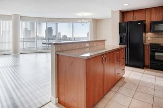 Photo 13: 2502 1078 6 Avenue SW in Calgary: Downtown West End Apartment for sale : MLS®# A1064133