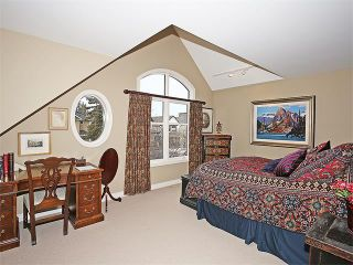 Photo 11: 2227 3 Avenue NW in Calgary: West Hillhurst House for sale : MLS®# C4102741
