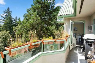 """Photo 13: 410 6735 STATION HILL Court in Burnaby: South Slope Condo for sale in """"THE COURTYARDS"""" (Burnaby South)  : MLS®# R2486497"""