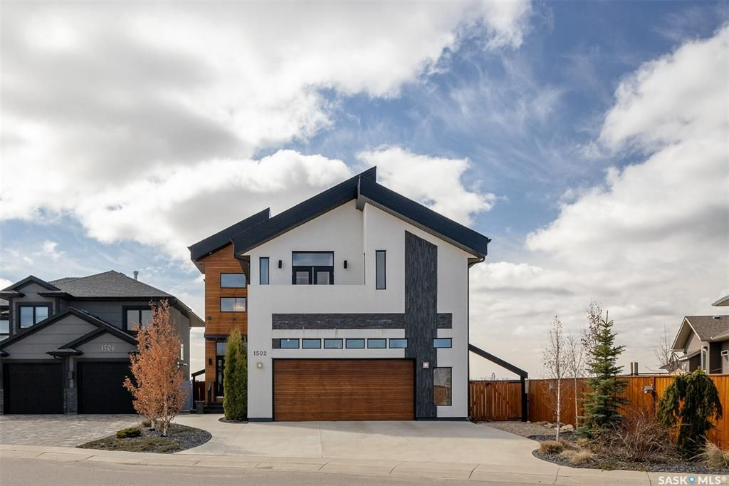 Welcome to 1502 Pohorecky Court in Evergreen backing Canada Agriculture Land