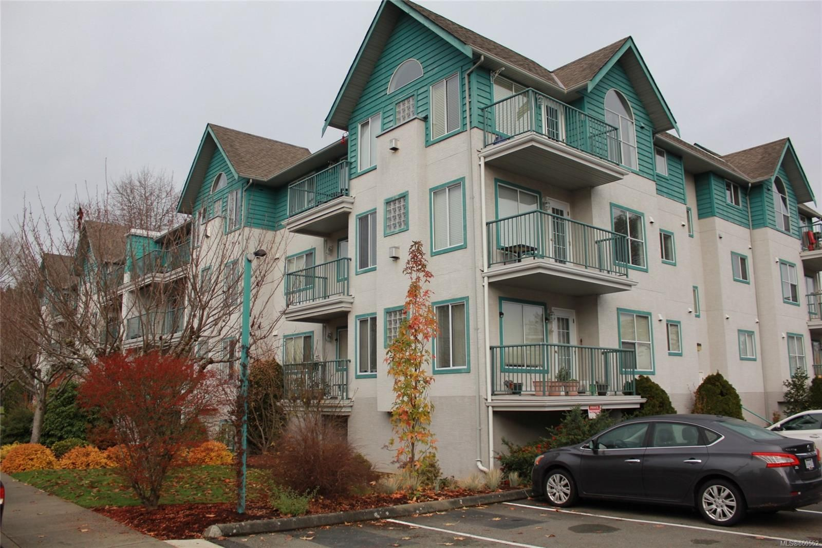 Main Photo: 305 275 First St in : Du West Duncan Condo for sale (Duncan)  : MLS®# 860552