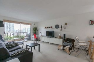 """Photo 1: 205 131 W 4TH Street in North Vancouver: Lower Lonsdale Condo for sale in """"Nottingham Place"""" : MLS®# R2003888"""