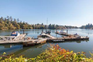 Photo 16: 212 1085 Tillicum Rd in Esquimalt: Es Kinsmen Park Condo for sale : MLS®# 834673