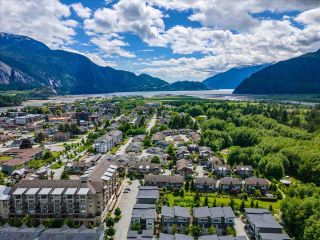 """Photo 35: 38371 SUMMITS VIEW Drive in Squamish: Downtown SQ Townhouse for sale in """"THE FALLS AT EAGLEWIND"""" : MLS®# R2587853"""