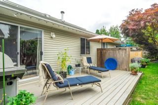 """Photo 2: 16 19270 119 Avenue in Pitt Meadows: Central Meadows Townhouse for sale in """"McMyn Estates"""" : MLS®# R2611594"""