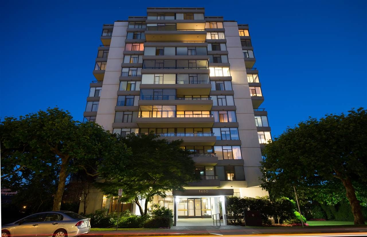 Main Photo: 802 1480 DUCHESS AVENUE in West Vancouver: Ambleside Condo for sale : MLS®# R2190183