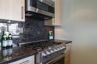 """Photo 9: 1008 1708 COLUMBIA Street in Vancouver: False Creek Condo for sale in """"Wall Centre- False Creek"""" (Vancouver West)  : MLS®# R2560917"""