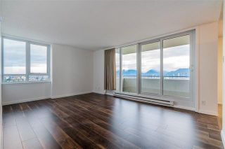 Photo 2: 1601 5652 Patterson in Burnaby: Condo for sale