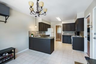 Photo 9: 671 BLUE MOUNTAIN Street in Coquitlam: Central Coquitlam House for sale : MLS®# R2598750