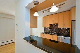 """Photo 5: 305 2424 CYPRESS Street in Vancouver: Kitsilano Condo for sale in """"CYPRESS PLACE"""" (Vancouver West)  : MLS®# R2572541"""