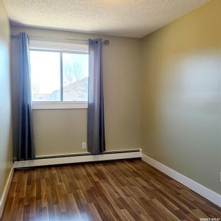 Photo 2: 301 802B Kingsmere Boulevard in Saskatoon: Lakeview SA Residential for sale : MLS®# SK869654