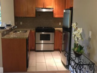 """Photo 7: 211 2083 W 33RD Avenue in Vancouver: Quilchena Condo for sale in """"DEVONSHIRE HOUSE"""" (Vancouver West)  : MLS®# R2115581"""