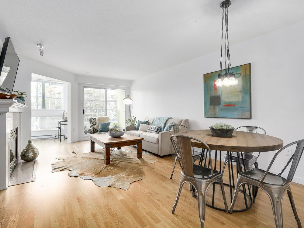 Main Photo: 211 2105 West 42nd Ave in The Brownstone: Home for sale