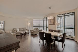 "Photo 5: 2302 289 DRAKE Street in Vancouver: Yaletown Condo for sale in ""Park View Tower"" (Vancouver West)  : MLS®# R2530410"