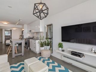 """Photo 2: 605 231 E PENDER Street in Vancouver: Strathcona Condo for sale in """"FRAMEWORK"""" (Vancouver East)  : MLS®# R2525315"""