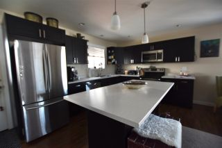 Photo 3: 301 FOSTER Way in Williams Lake: Williams Lake - City House for sale (Williams Lake (Zone 27))  : MLS®# R2536885