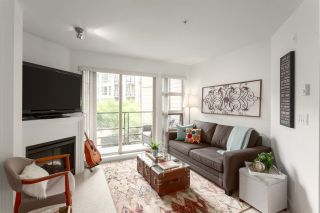"""Photo 2: 223 738 E 29TH Avenue in Vancouver: Fraser VE Condo for sale in """"CENTURY"""" (Vancouver East)  : MLS®# R2265012"""