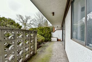 """Photo 13: 105 331 KNOX Street in New Westminster: Sapperton Condo for sale in """"WESTMOUNT ARMS"""" : MLS®# R2135968"""