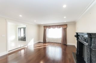 """Photo 3: 8231 SUNNYWOOD Drive in Richmond: Broadmoor House for sale in """"Broadmore"""" : MLS®# R2477217"""