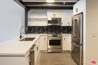 Photo 6: 120 S Hewitt Street Unit 4 in Los Angeles: Residential Lease for sale (C42 - Downtown L.A.)  : MLS®# 21793998
