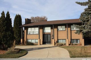 Photo 2: 21 Rennie Place in Saskatoon: East College Park Residential for sale : MLS®# SK848814