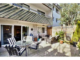 "Photo 2: 112 550 E 6TH Avenue in Vancouver: Mount Pleasant VE Condo for sale in ""Landmark Gardens"" (Vancouver East)  : MLS®# V1109766"