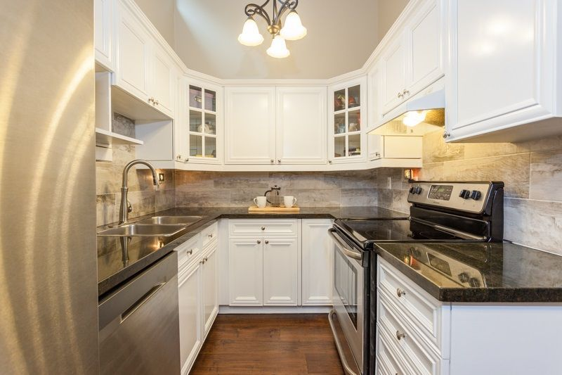 """Main Photo: 404 1435 NELSON Street in Vancouver: West End VW Condo for sale in """"Westport"""" (Vancouver West)  : MLS®# R2221878"""