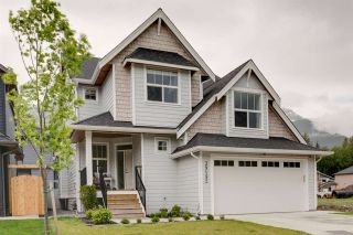 "Photo 1: 39192 CARDINAL Drive in Squamish: Brennan Center House for sale in ""Ravenswood"" : MLS®# R2174323"