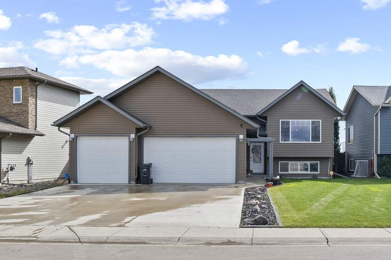 FEATURED LISTING: 412 26 Street Cold Lake