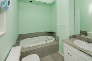 """Photo 18: 7683 GARFIELD Drive in Delta: Nordel House for sale in """"Royal York"""" (N. Delta)  : MLS®# R2477858"""