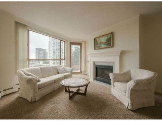 "Photo 1: 810 15111 RUSSELL Avenue: White Rock Condo for sale in ""Pacific Terrace"" (South Surrey White Rock)  : MLS®# F1424896"