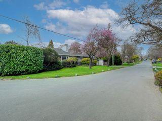 Photo 43: 880 Byng St in : OB South Oak Bay House for sale (Oak Bay)  : MLS®# 870381