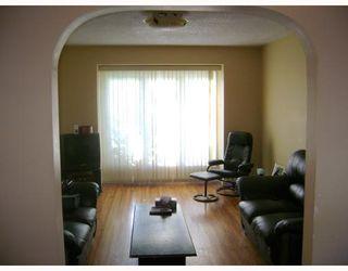 Photo 2: 320 SACKVILLE Street in WINNIPEG: St James Residential for sale (West Winnipeg)  : MLS®# 2913994