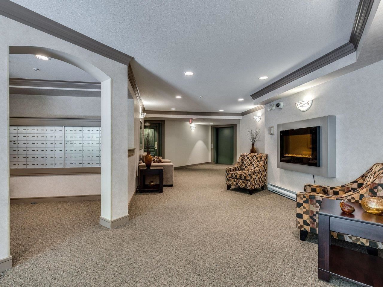 """Photo 3: Photos: 320 1252 TOWN CENTRE Boulevard in Coquitlam: Canyon Springs Condo for sale in """"The Kennedy"""" : MLS®# R2595291"""