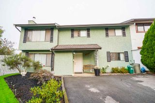 Photo 1: 5337 199 Street in Langley: Langley City 1/2 Duplex for sale : MLS®# R2499666