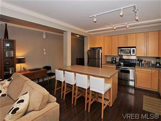 Photo 11: 5 2310 Wark St in VICTORIA: Vi Central Park Row/Townhouse for sale (Victoria)  : MLS®# 567630