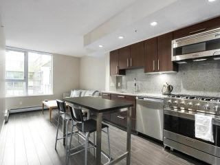 """Photo 3: 554 108 W 1ST Avenue in Vancouver: False Creek Condo for sale in """"OLYMPIC VILLAGE"""" (Vancouver West)  : MLS®# R2437073"""