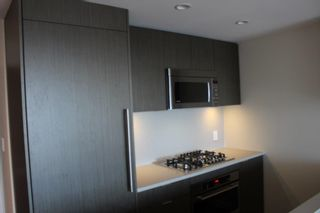 Photo 4: 1003 125 E 14TH Street in North Vancouver: Central Lonsdale Condo for sale : MLS®# R2355768