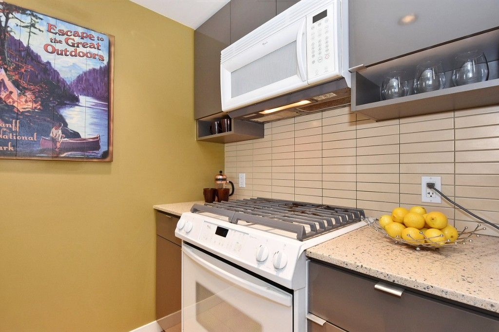 """Photo 7: Photos: 1708 928 BEATTY Street in Vancouver: Yaletown Condo for sale in """"MAX 1"""" (Vancouver West)  : MLS®# R2165040"""