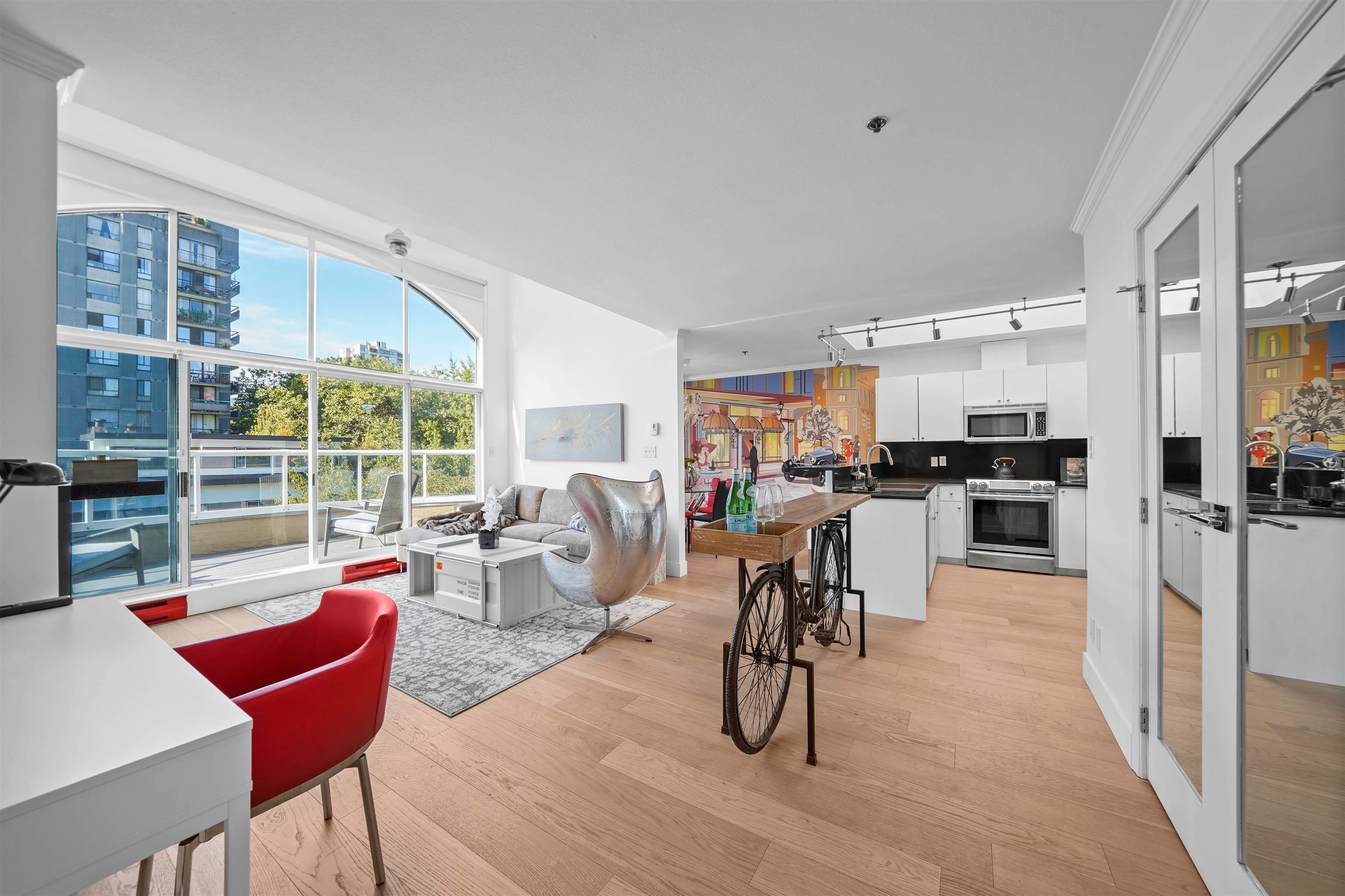 """Main Photo: PH2 950 BIDWELL Street in Vancouver: West End VW Condo for sale in """"The Barclay"""" (Vancouver West)  : MLS®# R2617906"""