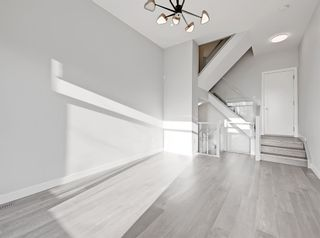 Photo 5: 2806 Edmonton Trail NE in Calgary: Winston Heights/Mountview Row/Townhouse for sale : MLS®# A1089576