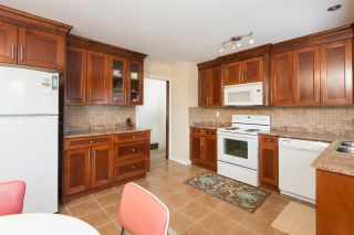Photo 5: 11838 BONSON Road in Pitt Meadows: Central Meadows House for sale : MLS®# R2083009