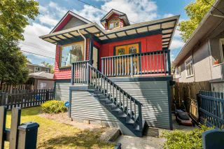 """Photo 1: 1021 SEMLIN Drive in Vancouver: Grandview Woodland House for sale in """"COMMERCIAL DRIVE"""" (Vancouver East)  : MLS®# R2584529"""