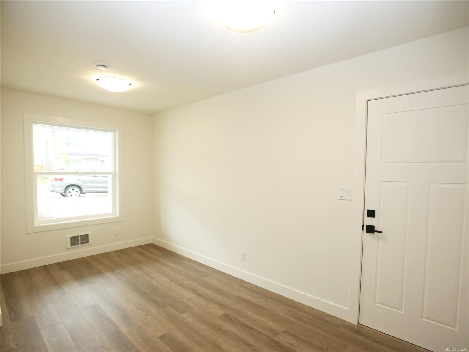 Photo 18: Photos: 596 Lance Pl in : Na University District House for sale (Nanaimo)  : MLS®# 856232