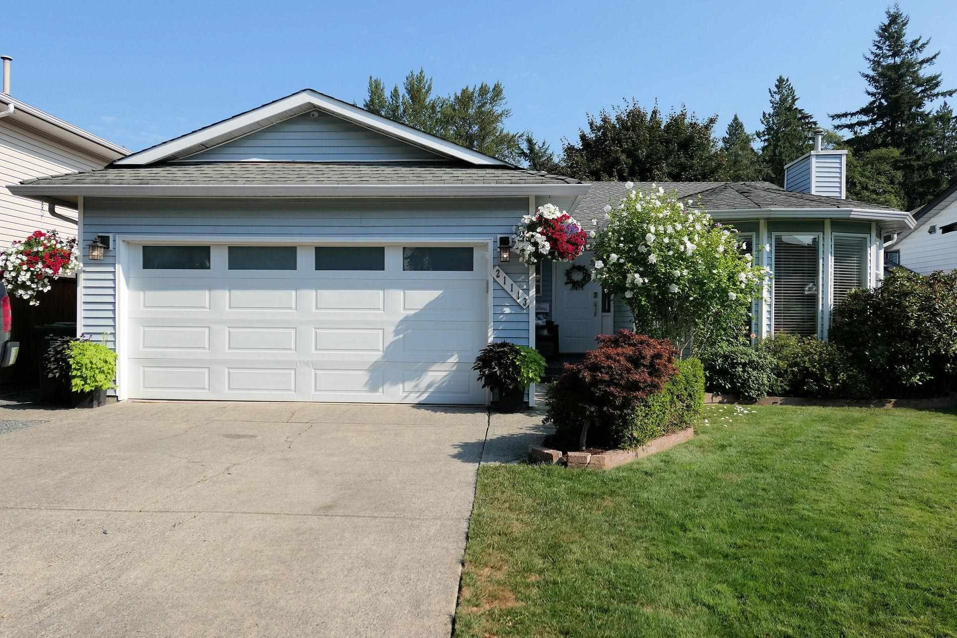 Main Photo: 21113 93 Avenue in Langley: Walnut Grove House for sale : MLS®# R2606818
