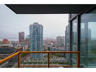 "Photo 4: 2101 131 REGIMENT Square in Vancouver: Downtown VW Condo for sale in ""Spectrum 3"" (Vancouver West)  : MLS®# V1119494"