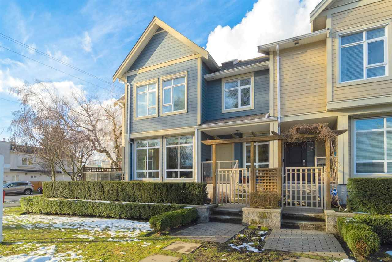 """Main Photo: 1001 E 20TH Avenue in Vancouver: Fraser VE Townhouse for sale in """"WINDSOR PLACE"""" (Vancouver East)  : MLS®# R2144392"""
