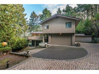 Photo 2: 7118 Willis Point Rd in VICTORIA: CS Willis Point House for sale (Central Saanich)  : MLS®# 686126