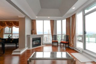 """Photo 5: 27F 6128 PATTERSON Avenue in Burnaby: Metrotown Condo for sale in """"GRAND CENTRAL PARK PLACE"""" (Burnaby South)  : MLS®# R2250291"""